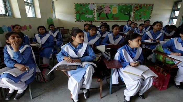Sindh hints at postponing exams due to prolonged school closure