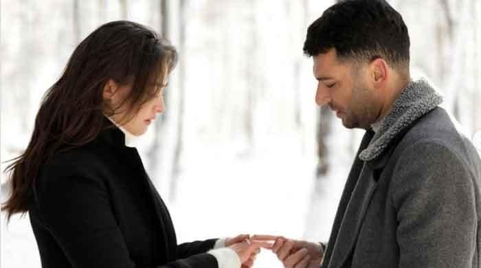 Ertugrul famed Esra Bilgic aka Halime Sultan shares loved-up photo from her romantic thriller 'Ramo'