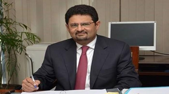 Miftah Ismail slams PTI for suspending gas supply to industries