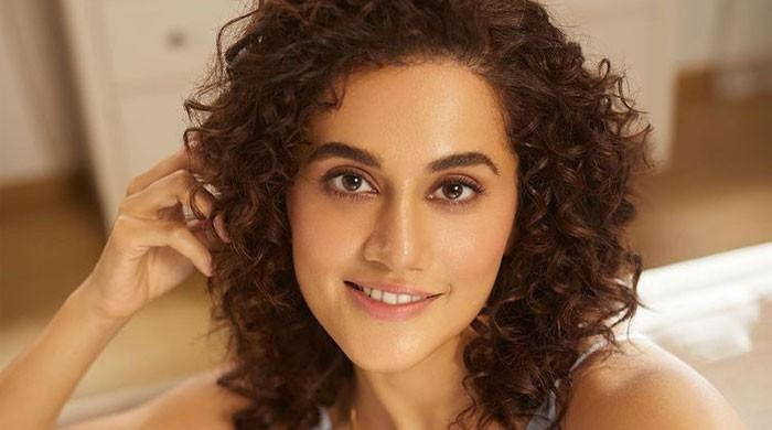Taapsee Pannu leaves fans swooning with her push-ups video