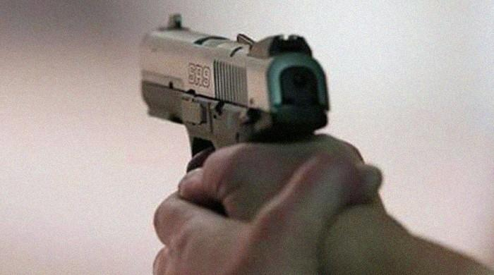 Karachi men shoot father right in front of minor daughter