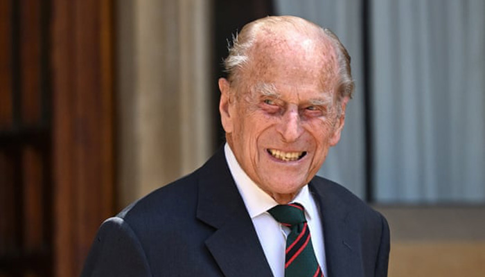 Queen Elizabeth's husband, Prince Philip, admitted to hospital""