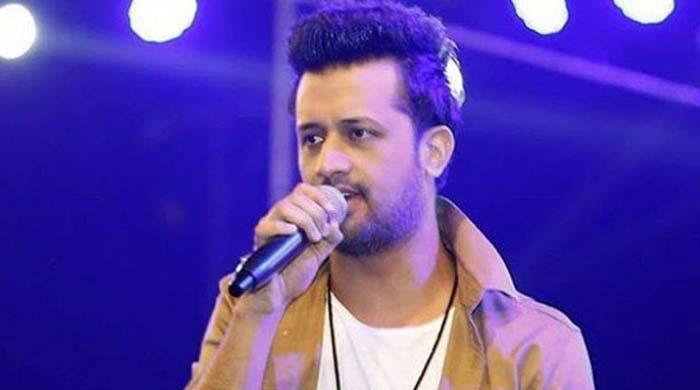 Atif Aslam's latest song 'Raat' leaves fans in awe