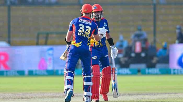PSL 6, Match 9: Karachi Kings cruise to victory over Multan Sultans
