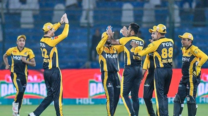 Peshawar Zalmi beat Islamabad United by six wickets
