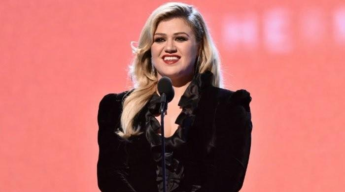 Kelly Clarkson belts Jill Biden's 'favorite' song at White House special