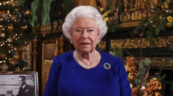 Experts weigh in on chances of Queen Elizabeth's abdication on 95th birthday