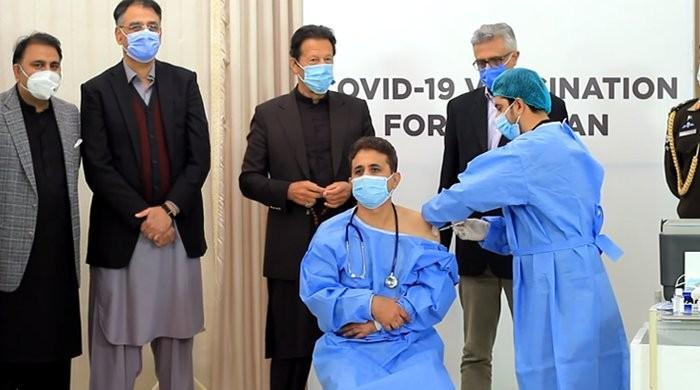 81% of Pakistan's doctors ready to take coronavirus vaccination: Gallup report