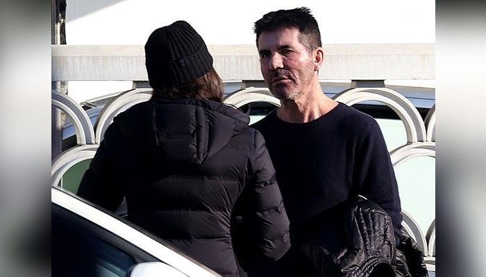 Simon Cowell spotted having heated argument with Lauren Silverman - Geo News