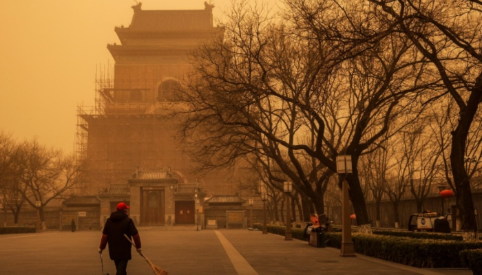 Northern China hit by severe sandstorm