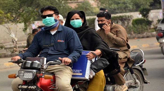 Coronavirus: Sindh, Balochistan should impose travel restrictions to avoid Punjab fiasco, warn health officials
