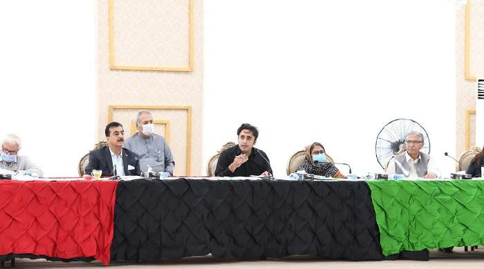 Bilawal tears up PDM's show-cause notice during PPP's CEC meeting: sources