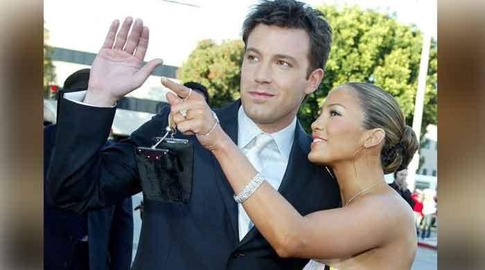 Ben Affleck seems to rekindle romance with ex-lovebird Jennifer Lopez