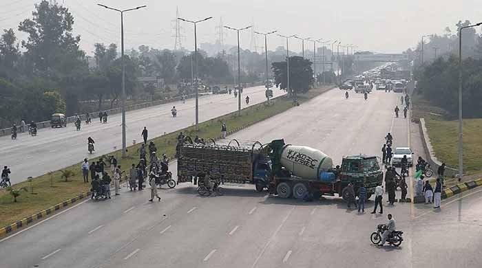 Govt says it will take 'all measures' to reopen blocked roads amid protests in Pakistan