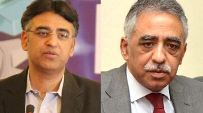 Asad Umar vs Mohammad Zubair on Twitter