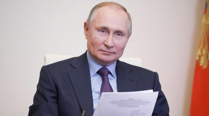 Russia's Vladimir Putin receives second jab of coronavirus vaccine