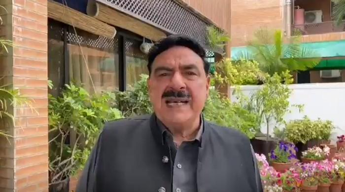 Sheikh Rasheed apologises for temporarily suspending WhatsApp, Facebook, Instagram