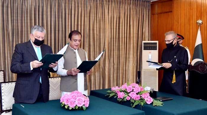 Shibli Faraz, Shaukat Tarin sworn in as federal ministers by President Arif Alvi