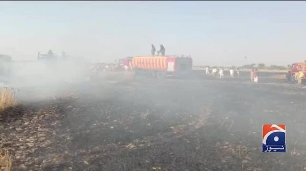 Lightning destroys tons of wheat stocks in Bahawalpur