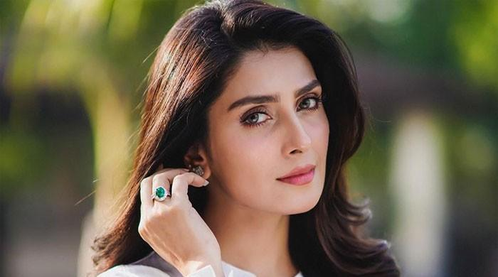 Ayeza Khan thanks fans as she reaches 8.6 million followers on Instagram
