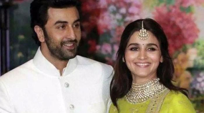 Alia Bhatt, Ranbir Kapoor jet off for vacation to Maldives