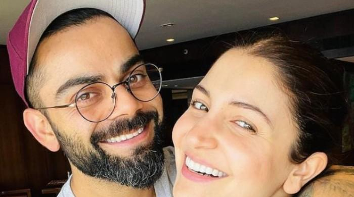 Virat, Anuskha treat fans to adorable picture on Instagram