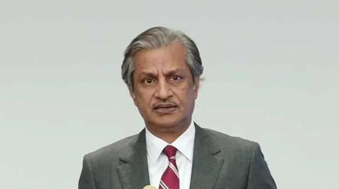 Senior journalist, former PEMRA chairman Absar Alam shot in Islamabad