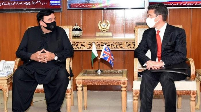 Sheikh Rasheed meets British High Commissioner, requests Nawaz's deportation