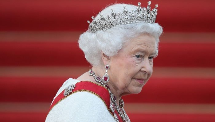 Queen coping amazingly well despite Prince Philip grief - Geo News