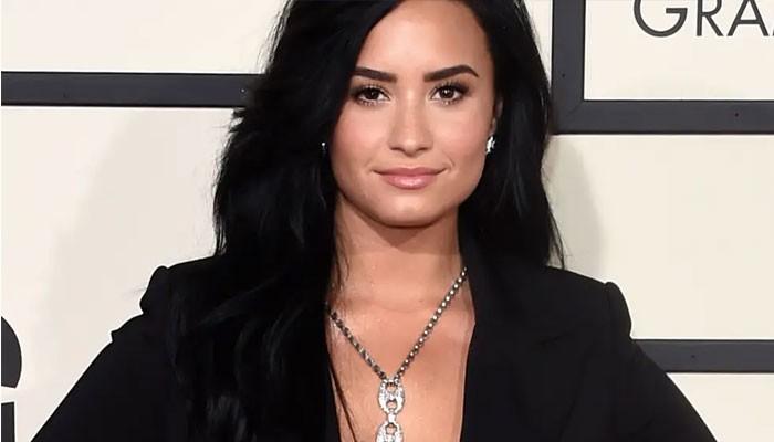 Demi Lovato shows off blazing martial arts skills - Geo News