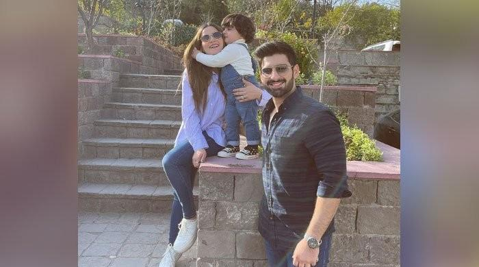 Aiman Khan shares adorable snap of Muneeb Butt, daughter Amal Muneeb