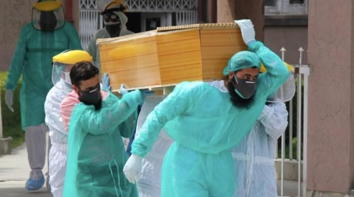 April proving to be cruel month as coronavirus deaths pile up in Pakistan