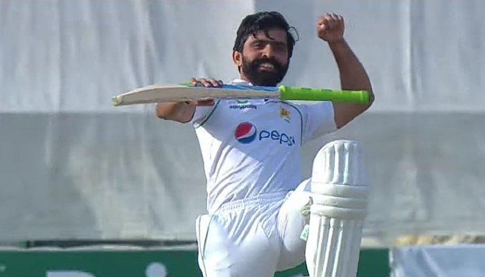 Pakistani batsman Fawad Alam celebrates after scoring a century against New Zealand. Photo: Twitter