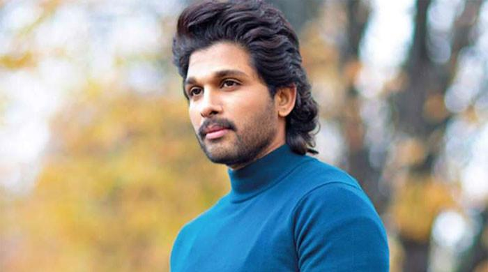 Allu Arjun celebrates 17 years of his film 'Arya'