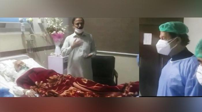 PM Imran Khan pays surprise visit to coronavirus ward at PIMS