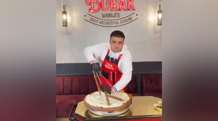 Famed Turkish chef Burak Özdemir condemns Israel's aggression against Palestine