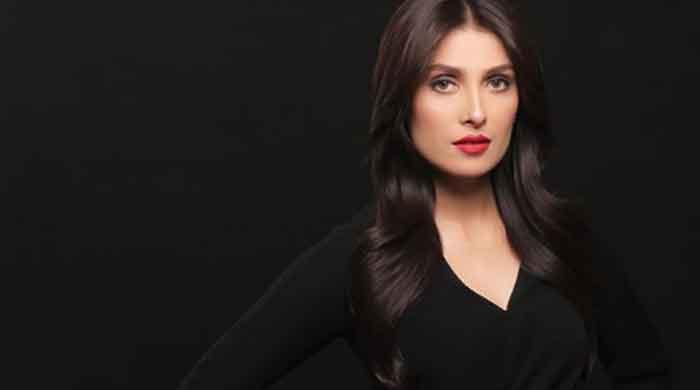 Ayeza Khan hits 9 million followers on Instagram