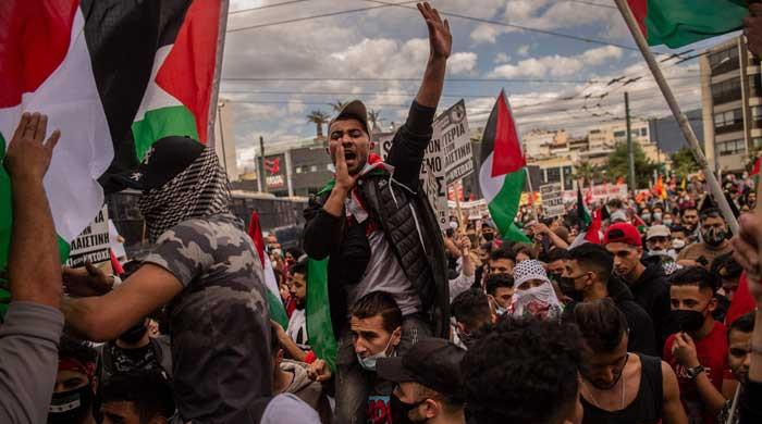'Stop bombing Gaza': Thousands rally across Europe in support of Palestinians