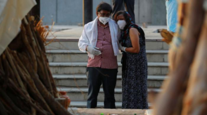 India reports 4,000 daily COVID-19 deaths amid deadly virus situation