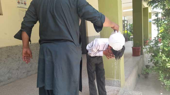 25 Islamabad schoolchildren rushed to hospital after fainting due to intense heat