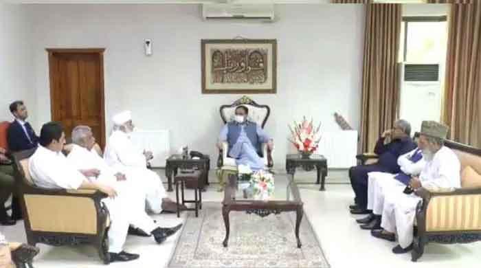 Ahead of Punjab budget, more than 10 Opposition members meet CM Buzdar