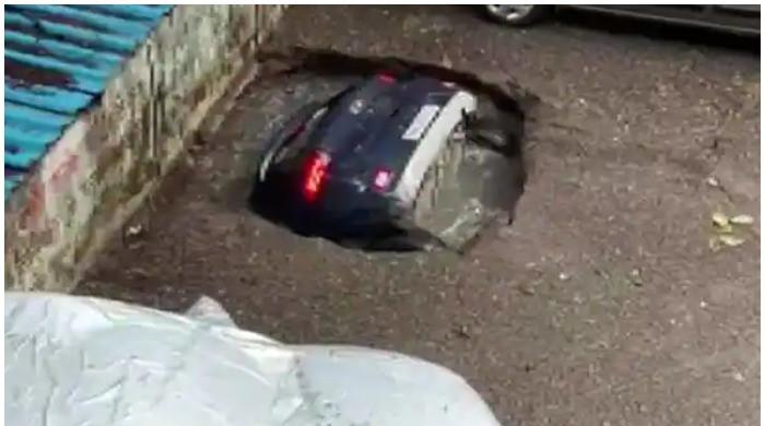 WATCH: Authorities pull car out of Mumbai sinkhole a day after video goes viral