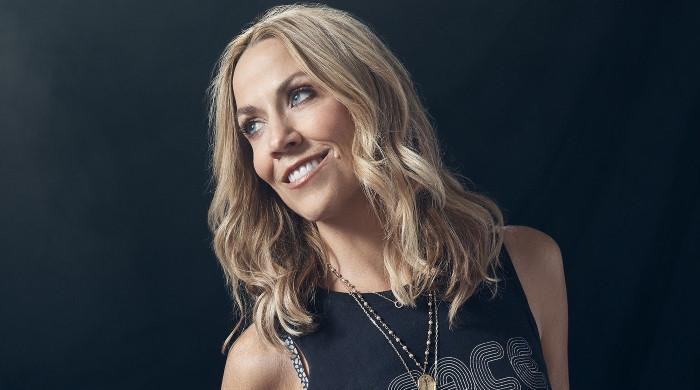 Sheryl Crow says Michael Jackson's manager subjected her to sexual harassment