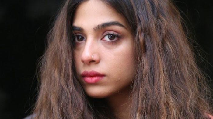 Sonya Hussyn gives full marks to Imran Khan
