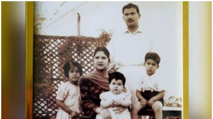 PM Imran Khan shares memorable childhood photo with family on Instagram