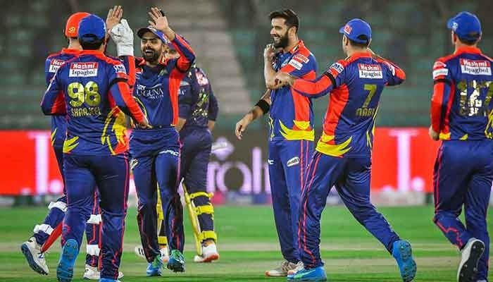 Karachi Kings celebrate after taking a wicket of the Quetta Gladiators at Karachis National Stadium, on Febraury 20, 2021. Photo: Twitter