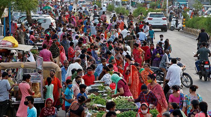 India urges states to 'carefully calibrate' easing coronavirus lockdowns