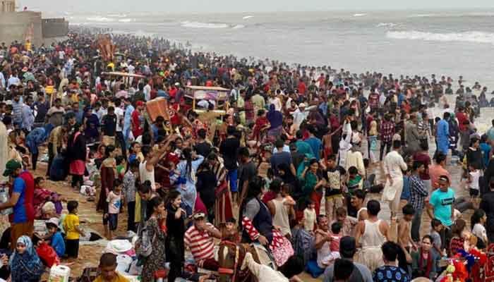The sheer volume of people at Karachis Turtle beach. — Photo courtesy Times of Karachi