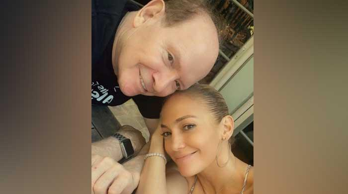 Jennifer Lopez celebrates Father's Day with touching post