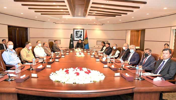 Director General ISI Lieutenant General Faiz Hamid received the prime minister and federal ministers at the ISI Secretariat.